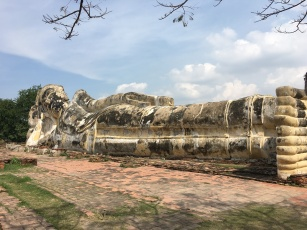 One of th elargest reclining Buddhas in the world