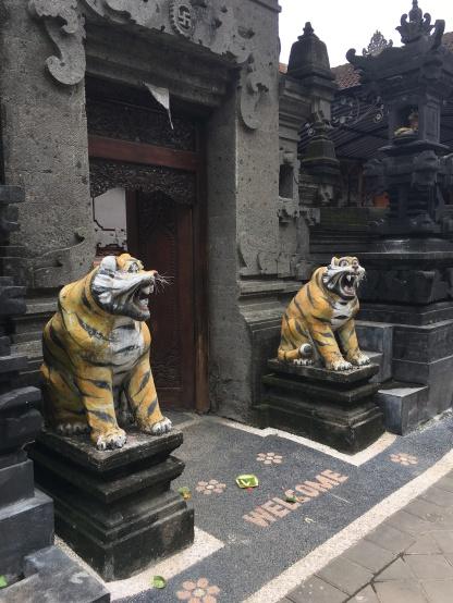 So many temples!
